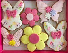 biskota louloudia petaloudes Dessert Recipes, Desserts, Frosting, Pasta, Sweets, Cookies, Food, Baby, Tailgate Desserts