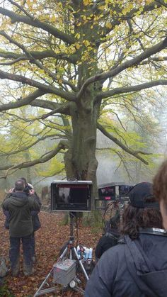 A #TBT look at production of Outlander. Do we spy @RonDMoore? #Outlander #STARZ #BehindTheScenes