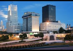 Akron, Ohio -> We Clevelanders pretty much consider Akron as part of Cleveland.  Same with Youngstown.