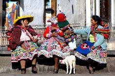 Traditional Peruvian Women #Peru #LatinAmerica #Women #Colors #Travel