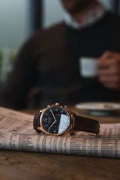 A simple timepiece with subtle details and touches that redefines the affordable luxury watch category. Stay classy and get your Tuseno watch here