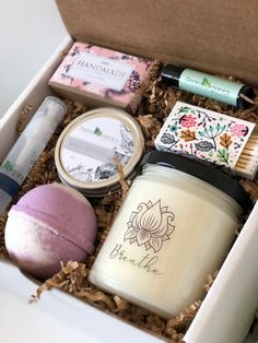 Holiday Gift Christmas Present Winter Gift Let it Snow Candle Gift Set Holiday Spa Box Merry Christm Gifts For Fiance, Mother In Law Gifts, Gifts For Friends, Gifts For Mom, Gift For Mother, Hostess Gifts, Holiday Gifts, Christmas Gifts, Midwife Gift