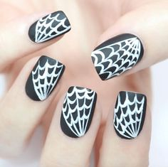 15 Ideas For Black Nail Polish of 2017 – LifeQuint