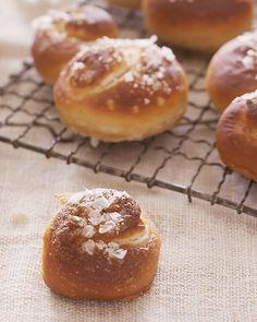 Pretzel Knots - http://www.sweetpaulmag.com/food/pretzel-knots #sweetpaul