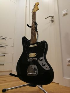 A place to share or ogle at fancy pictures of yours or others' guitars and related instruments. Guitar Shop, Music Guitar, Playing Guitar, Stratocaster Guitar, Fender Guitars, Bass Guitars, Acoustic Guitars, Fender Jaguar, Cool Electric Guitars