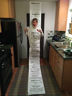 Dresses Up As A CVS Receipt, Wins Halloween LOL-- super long CVS receipts annoy me to no end. Making a Halloween costume based on them-- genius!LOL-- super long CVS receipts annoy me to no end. Making a Halloween costume based on them-- genius! Carnaval Costume, Original Halloween Costumes, Halloween Costumes To Make, Halloween Diy, Family Halloween, Pregnant Halloween, Halloween Couples, Homemade Costumes, Cool Costumes For Guys
