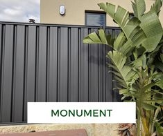 colourbond Colorbond fence makeover - Monument four Level Suspension Exhausting Hats four Level Susp Shed Paint Colours, Dulux Paint Colours, Home Remodeling Diy, Home Renovation, Colourbond Colours, Front Fence, Side Garden, Custom Wall, Garden Fencing