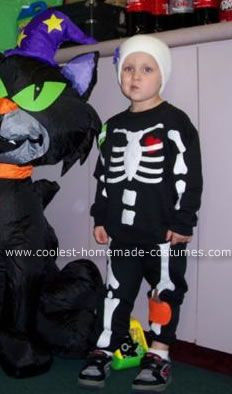 Skeleton Costume: I made this skeleton costume for my son last year and it was really a hit!  He loves skeletons but I felt he was too young for a scary costume so I came