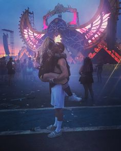 Couple Outfits, Rave Outfits, Rave Couple, Ultra Miami, Steampunk Festival, Carnival Outfits, Music Festival Outfits, Rave Festival, Relationship Goals Pictures