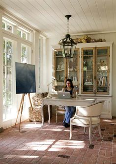 Looking for sunroom office ideas and inspiration? {} Whether you own a house issue or do something from home you might want to consider these sunroom office ideas for a productive fake environment! Home Office Design, House Design, Office Designs, Sunroom Office, Cozy Office, Beach Office, Brick Flooring, Beach Cottage Decor, Floating