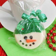 white chocolate covered oreo snowman | Snowman Design White Chocolate Covered Oreo Cookie