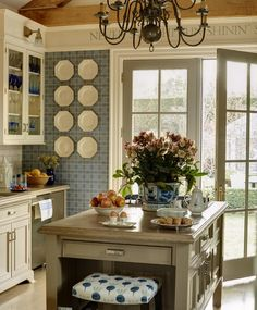 Kitchen Vignettes, Kitchen Dining, Kitchen Decor, Kitchen Ideas, Cottage Kitchens, Home Kitchens, Country Kitchens, Hamptons House, The Hamptons
