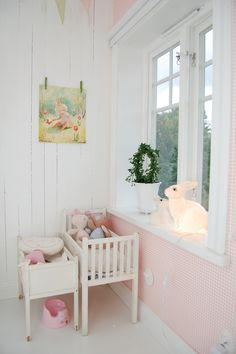 PAINT MY TINY CRIB WHITE WITH PINK PILLOW INSIDE