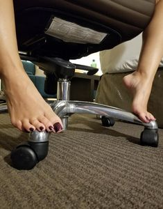 Cute Toes, Pretty Toes, Sexy High Heels, High Heels Stilettos, Long Toenails, Foot Photo, Brian Atwood Shoes, Foot Pics, Tan Body