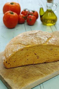 Cinco Quartos de Laranja: Vamos fazer pão: Pão de tomate no tacho