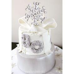 nişan pastası , engagement cake , wedding cake , snowflake cake, kar tanesi pasta , kış pastası , winter cake, kutlama pastası , düğün pastası , silver cake, customcake , babyshower pastası , babyshower cake , birthday cake istanbul, gümüş pasta, istanbul cake order , istanbul custom cake , kurabiem