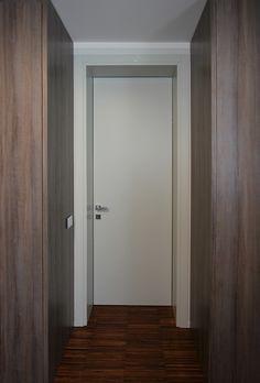 porta interna su disegno - andrea gattei architetto - realizzazione Montebelli Infissi Coriano di Rimini