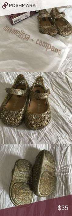 Mini Melissa campana Size 5 The perfect jelly flat for your walker! Mixed Golden Glitter size 5. Mini Melissa Shoes Flats & Loafers