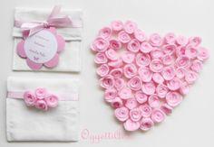 Bomboniera per nascita bimba o battesimo con roselline rosa. Handmade newborn party favor pink.