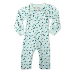 Organic baby clothes from Finn and Emma is gentle on a baby skin, non-toxic, and made from GOTS certified organic cotton. Organic Baby Toys, Organic Baby Clothes, All Fashion, Kids Fashion, Baby Skin, Baby Boy Outfits, Organic Cotton, Cool Outfits, Men Casual