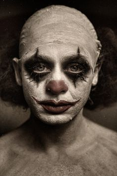 Macabre Scary Clown Portraits by Eolo Gruseliger Clown, Es Der Clown, Clown Faces, Circus Clown, Creepy Circus, Creepy Faces, Creepy Art, Circus Theme, Circus Party