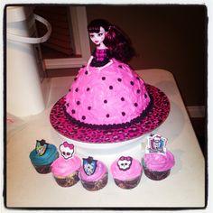 Monster High doll cake & cupcakes