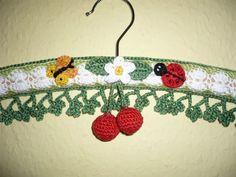 Kleiderbügel - Kleiderbügel mit Kirschen - ein Designerstück von musterwerke bei DaWanda