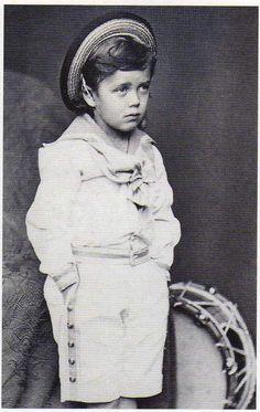 Tsarevich Nicholas Alexandrovich (future Tsar Nicholas II) via ohsoromanov.tumblr.com