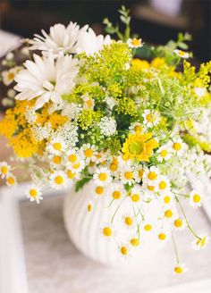 10 Spring Wedding Trends: 9. Wild Flowers. These free-spirited flowers can be gathered into an arrangement or mixed with other blooms in bouquets. http://www.colincowieweddings.com/inspiration-and-details/10-spring-wedding-trends-for-the-floral-lover