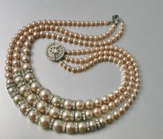 Vintage 1940 50 Champagne Pearls