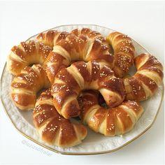 KAHVALTILIKLAR – Lezizsofralar'a Hosgeldiniz Greek Cooking, Cooking Time, Bagel Recipe, Mini Cheesecakes, Turkish Recipes, Snacks, International Recipes, Bon Appetit, Doughnuts