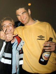 El Señor Ibarra Kase.O con una fan, en el año 1999