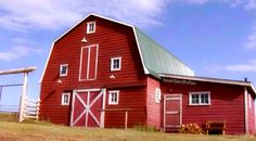 I love heartland Heartland Ranch, Heartland Tv Show, Heartland Seasons, Horse Stables, Horse Farms, Barn Layout, Future Farms, Minecraft Designs, Dream Barn