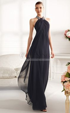 The Pronovias 2013 Cocktail Long Dress Collection provides gorgeous gowns in a variety of colors and styles that you will love. Beautiful Gowns, Beautiful Outfits, Elegant Dresses, Pretty Dresses, Prom Dresses, Formal Dresses, Bridesmaid Dresses, Chiffon Dresses, Dress Prom