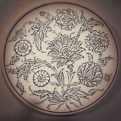#dekor #iznik #nicea #tile #çini #cini #quartz #cizim #tahrir #kontur #tabak #plate #ottoman #firca #bravebrush #sanat #art #instaart #instagood #hobby #finearts #tbt #photooftheday by bravebrush