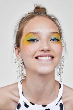 "Lidschatten plus Röte, Zaras ""All-in-One"" -Make-up-Trend Makeup Art, Makeup Tips, Eye Makeup, Hair Makeup, Makeup Brushes, Makeup Quiz, Makeup Remover, Makeup Eyeshadow, Colorful Eyeshadow"