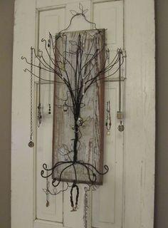 ce poti face cu un umeras Unusual uses for wire coat hangers 20