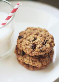Lunni leipoo: Kaura-rusinacookiet