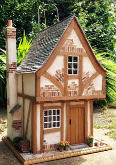 Honeypot Cottage dollhouse