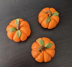 Autumn Diys, Fall Diy, Diy Pumpkin, Vegetables, Clay, Fimo, Vegetable Recipes, Veggies