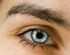 Olhos prateados