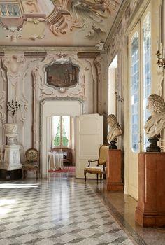 Places: La Villa Sola Cabiati, Lake Como, Italy :: This Is Glamorous Italian Mansion, Italian Villa, Italian Art, Italian Style, Mansion Interior, Interior And Exterior, Architecture Details, Interior Architecture, Interior Decorating