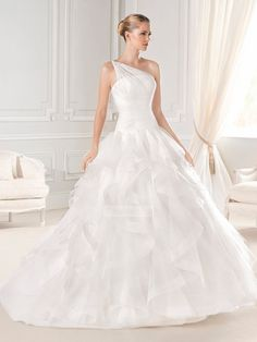 Charming one shoulder Ball Gown white organza Wedding Dresses PWND009