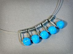 Modern Necklace Earring Set Upcycled Repurposed by BluKatDesign Funky Jewelry, Wire Jewelry, Jewelry Crafts, Jewelry Art, Beaded Jewelry, Jewlery, Custom Jewelry, Handmade Jewelry, Clothespin Art