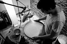 Ocean Drum. Agustín Diassera, percusionista. Photo by jaimeroldan, via Flickr  Más info:  http://www.jaimeroldan.com  http://www.cancionesenbuscadeartistas.com