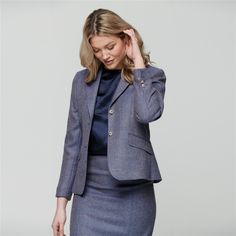 The timeless design of the Magee 1866 Alicia jacket, with it's waist shaping darts, slant pockets and soft shoulders, has earned it a place in our 1866 CLASSICS Collection. This is a piece that will always have a home in your wardrobe.