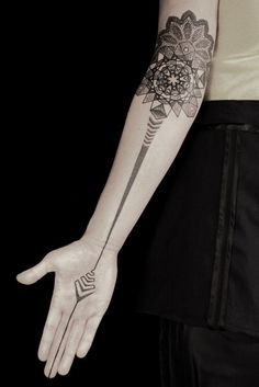 Kenji Alucky's tattoo, just amazing, I love the position in the inner elbow.