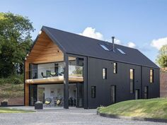 Grand Designs TV house from the 2018 series in Leominster, Herefordshire with cladding black corrugated steel -tv-houses-granddesignsmagazine.com