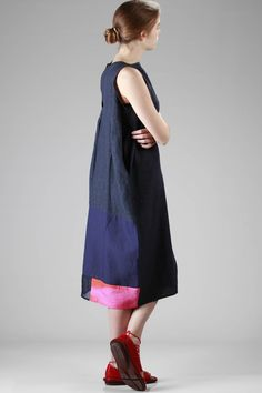Daniela Gregis | calf-length linen dress with different shades and manufacturing patchwork |