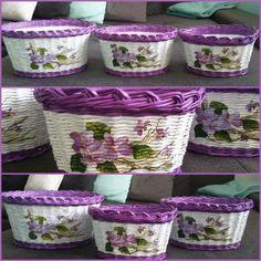 Newspaper Basket, Newspaper Crafts, Paper Basket Weaving, Pine Needle Crafts, Wooden Gift Boxes, Decoupage Art, Art N Craft, Tole Painting, Wicker Baskets